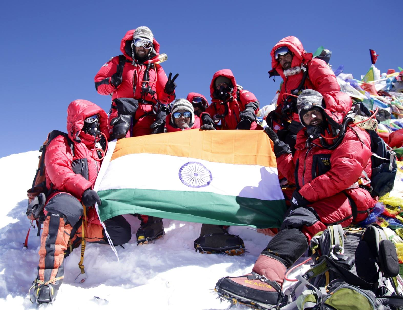 Lt Col Ranveer Jamwal and his team with Tiranga on Mount Everest